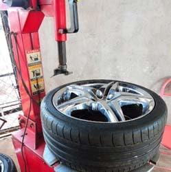 50% de desconto em conserto de pneus na BORRACHARIA ECLIPSE 10 de R$15,00 por R$7,50