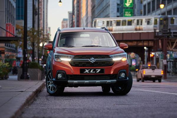Monovolume da Suzuki com cara de SUV